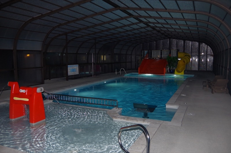 Indoor pool normandy camping barre y va for Camping piscine normandie
