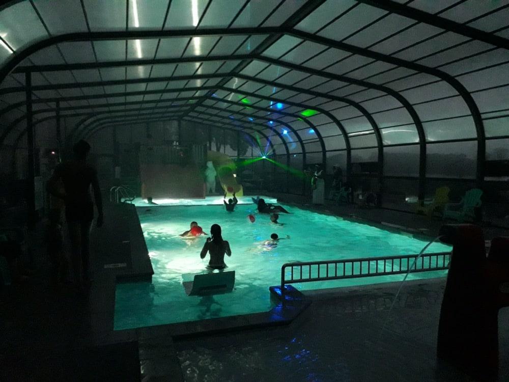 camping piscine ouvert la nuit